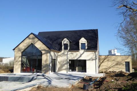 MAISON JOUE-LES-TOURS société TTI constructeur immobilier normes RT 2012