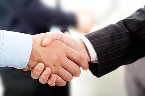 remise des clefs agence tti constructeur-immobilier un seul interlocuteur tti est une entreprise a taille humaine partenaire locaux